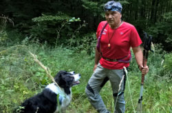 GALERIE FOTO : Câini special antrenați pentru a-l găsi pe bărbatul rătăcit la Lepșa